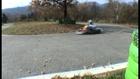 Dommerdich en glisse sur une tondeuse (karting)